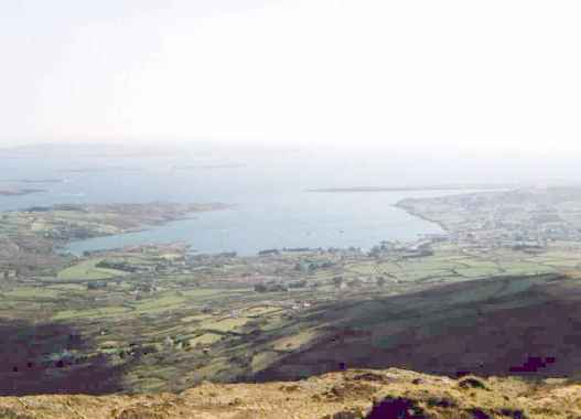 Schull from Mount Gabriel.jpg (22792 bytes)